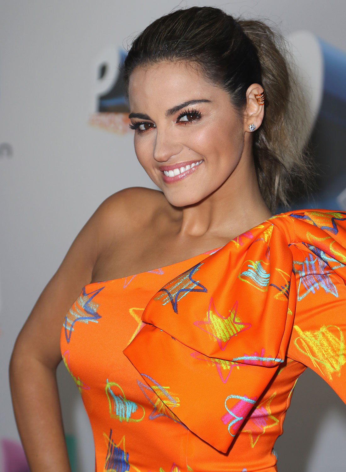 Get the Look: Maite Perroni's Naturally Flushed Beauty at Premios Juventud