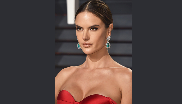 Get The Look: Alessandra Ambrosio's Old Hollywood Oscars Glam