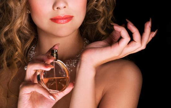 The Good Life: The Dos & Dont's Of Choosing (And Applying!) The Perfect Perfume