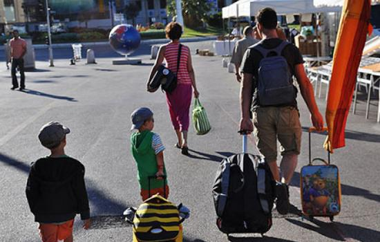 Mami Talks: 9 Helpful Tips for Traveling With Your Family