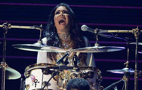 WATCH: Sheila E & Mayte Garcia Pay Tribute to the Late Prince at the BET Awards