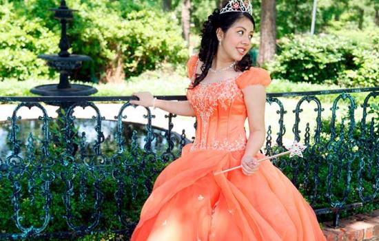 'Latino USA' Episode Gives an Inside Look At What It Takes to Plan A Quinceñera