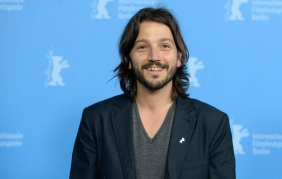 Is Diego Luna Taking Over the Scarface Remake?