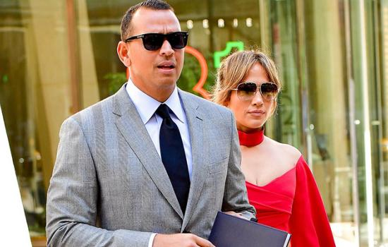 Jennifer Lopez & Alex Rodriguez share first Insta-moment and it's everything