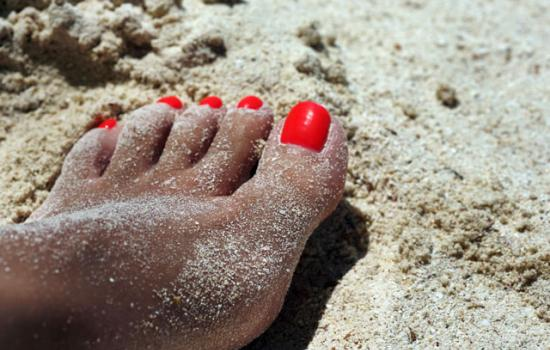 5 Pedicure Shades to Show off Your Sun-Kissed Skin