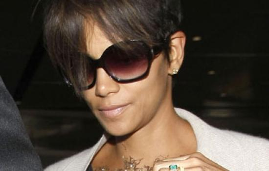 Halle Berry's Wedding Ring & 13 Other Celebrity Bling!