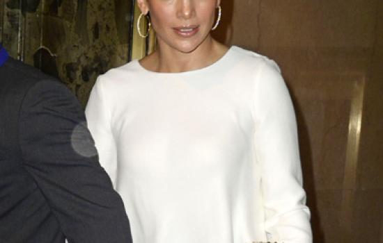Jennifer Lopez goes out to dinner in New York City in July 2012.