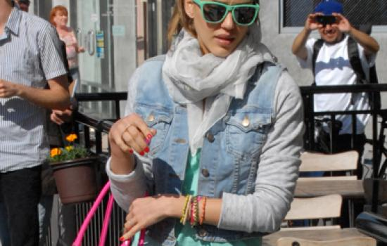 Jessica Alba in orange jeans out in Beverly Hills on May 22, 2012.