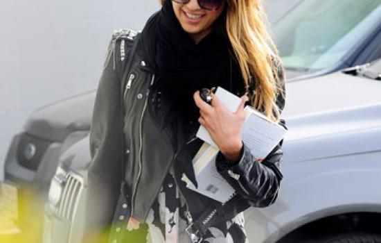 Steal Her Style: Jessica Alba's Edgy Day Look
