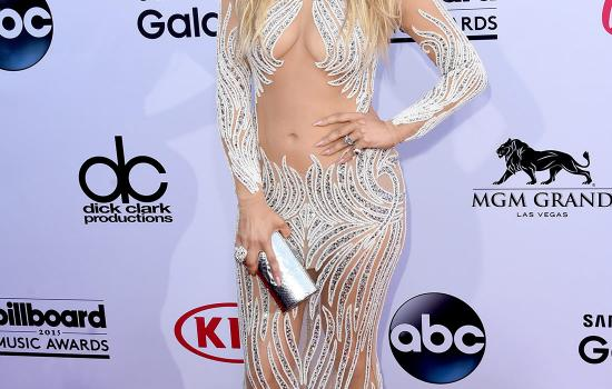 Jennifer Lopez Sparkles On The Billboard Awards Red Carpet