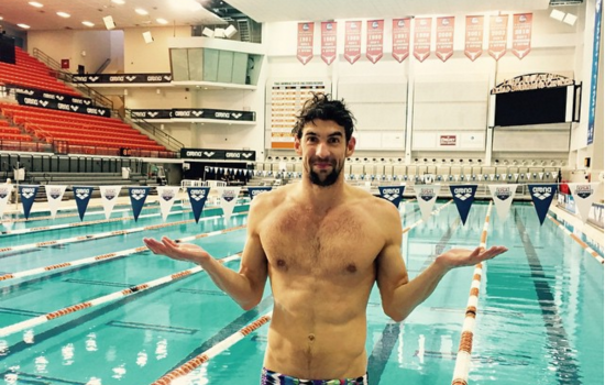 Michael Phelps races shark