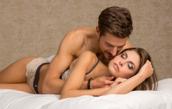 8 Positions to Enhance Sex When He Has a Small Penis