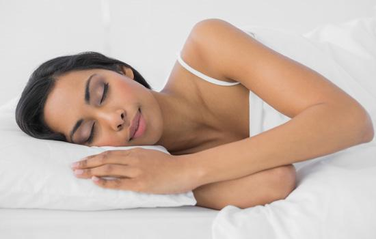 5 Pillows That Beautify While You Snooze
